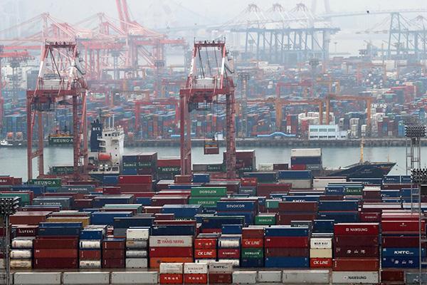 За первые 20 дней апреля южнокорейский экспорт сократился на 27%