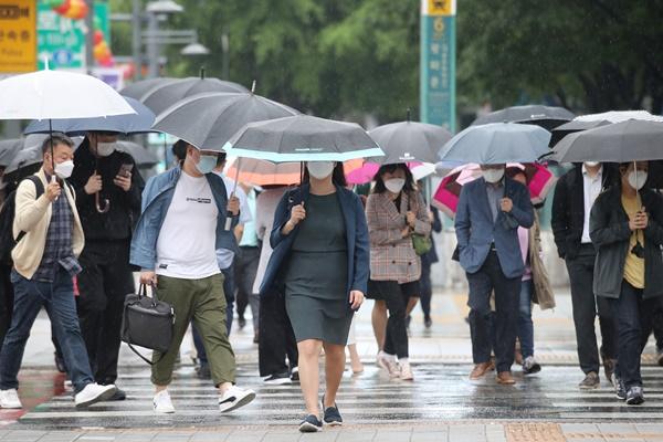 Landesweit Regen – viel Regen auf Jeju und an Südküste