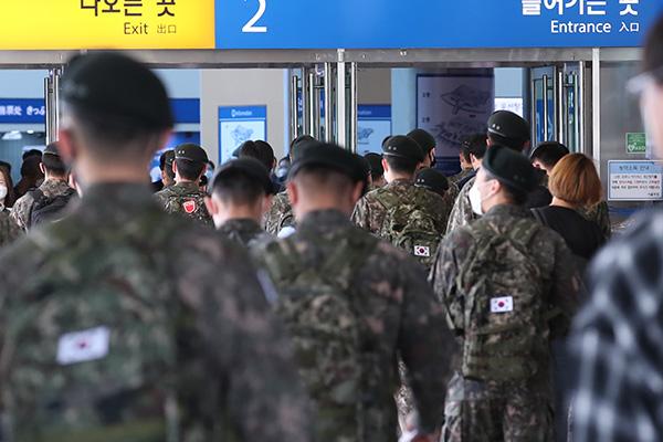 الجيش الكوري يختبر جميع المجندين الجدد ضد فيروس  كورونا