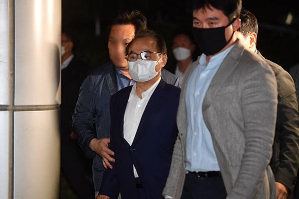 """오거돈 전 부산시장 14시간 조사…""""시민·피해자에 죄송"""""""