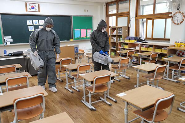 27 мая продолжится поэтапное возобновление занятий в школах РК