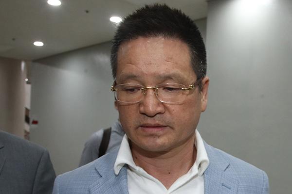 '별장 성접대 의혹' 윤중천, 2심도 징역 5년 6개월