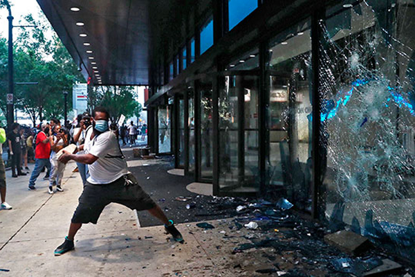 全米各地での抗議デモ 韓国人商店なども被害