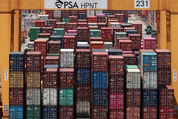 Les 10 plus grands pays exportateurs accusent une baisse de leurs exportations en mars