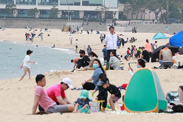 韩政府检查首都圈新冠病例情况 向全国海水浴场发放防疫指南
