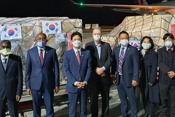 كوريا الجنوبية ترسل معدات طبية إلى مدغشقر