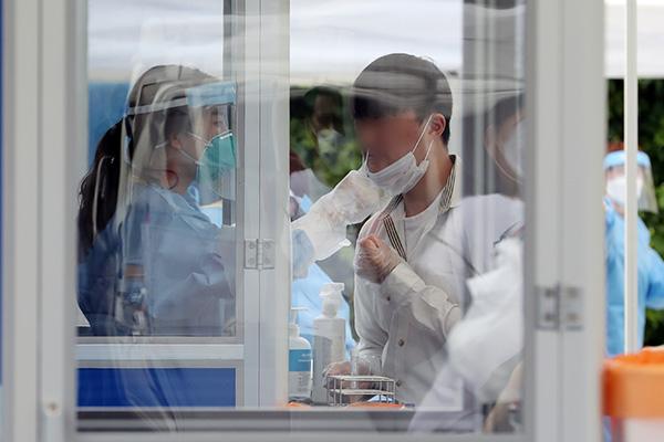 كوريا تسجل 49 إصابة جديدة بفيروس كورونا
