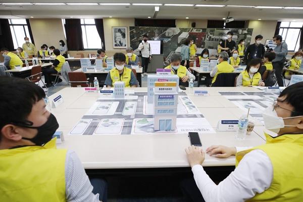 Chính phủ đẩy mạnh công tác chuẩn bị cho tình huống bùng phát dịch COVID-19 ở Seoul và khu vực lân cận