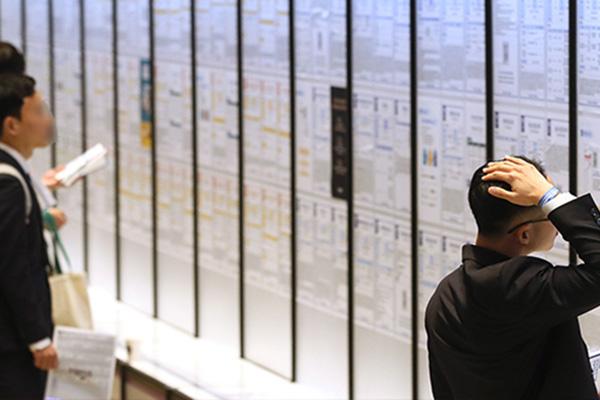 В РК численность занятого населения сокращается третий месяц подряд
