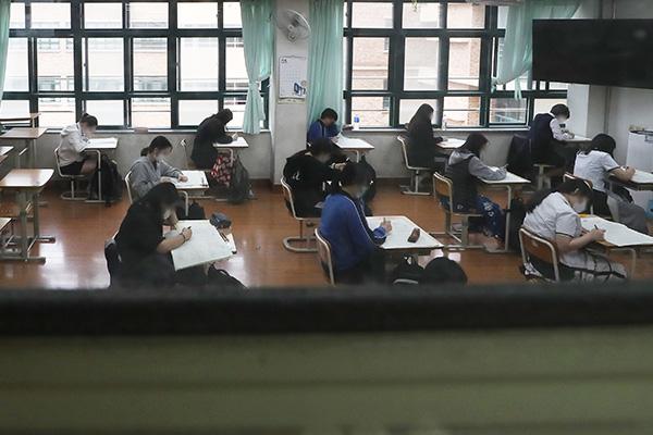 El examen de selectividad se mantendrá el 3 de diciembre