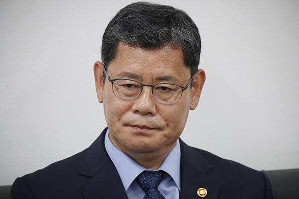 Президент РК принял отставку Ким Ён Чхоля с поста министра по делам воссоединения