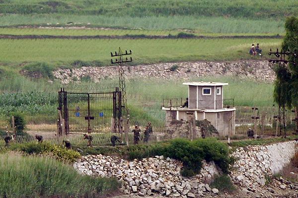北韓軍がDMZの監視所に兵士投入、「軍事行動と速断しない」政府
