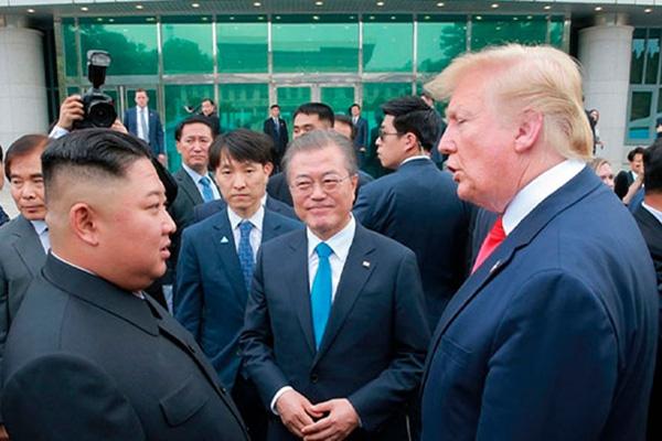 Moon busca impulsar nueva cumbre entre Corea del Norte y EEUU