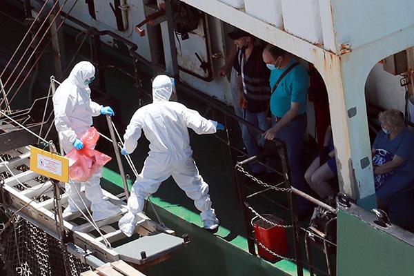 إلزام جميع أعضاء طاقم السفن المنطلقة من روسيا بتقديم شهادة طبية
