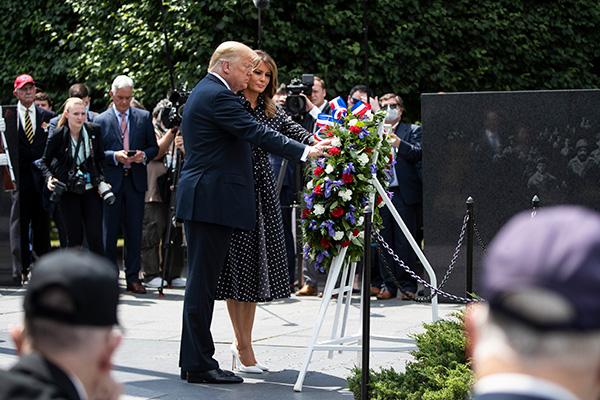 Tổng thống Mỹ viếng Đài tưởng niệm binh lính hy sinh trong chiến tranh Triều Tiên