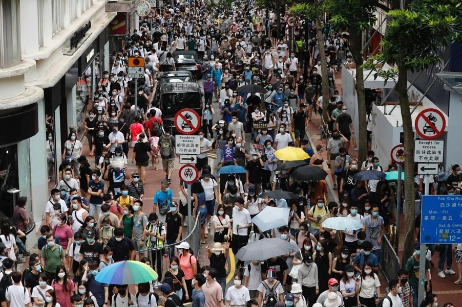 اعتقال المئات في هونغ كونغ بعد دخول قانون الأمن الجديد حيز التنفيذ