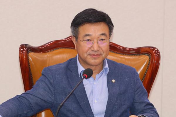 Новым лидером парламентской фракции правящей партии избран Юн Хо Чжун