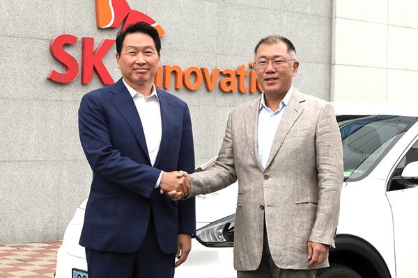 Batteries de véhicules électriques : rencontre entre les dirigeants de Hyundai Motor et SK Group