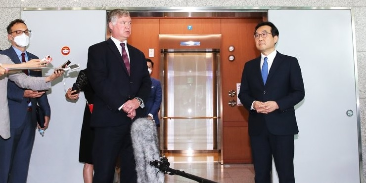 S. Korea and US Vow to Seek Resumption in Dialogue with N.Korea