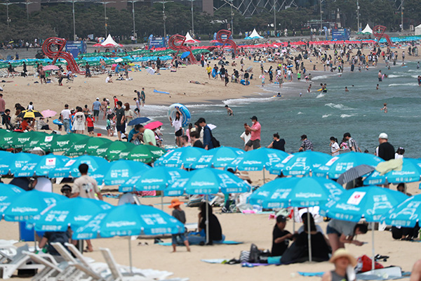 На пляжах вводятся противоэпидемические меры