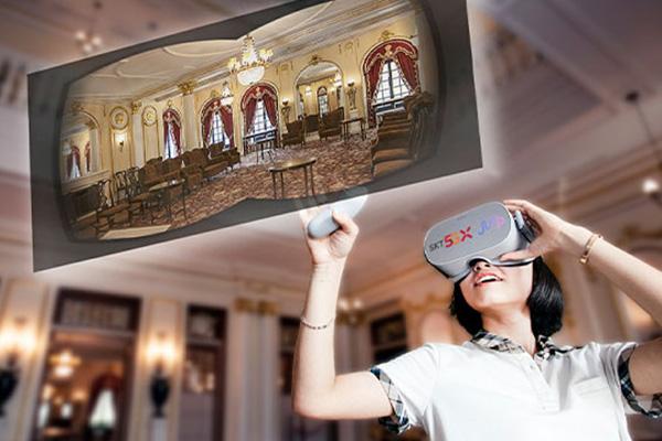 Thăm quan cung điện Deoksu bằng công nghệ thực tế ảo