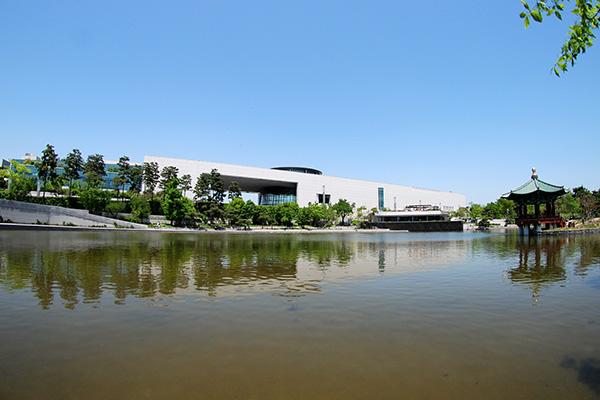 国立中央博物館、過去最大規模の「国宝・宝物特別展」開催