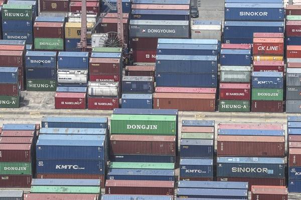 한국 수출 '회복 신호'…코로나 재확산·미중 갈등은 변수