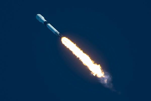 Satelit Komunikasi Khusus Militer Korsel yang Pertama Berhasil Diluncurkan