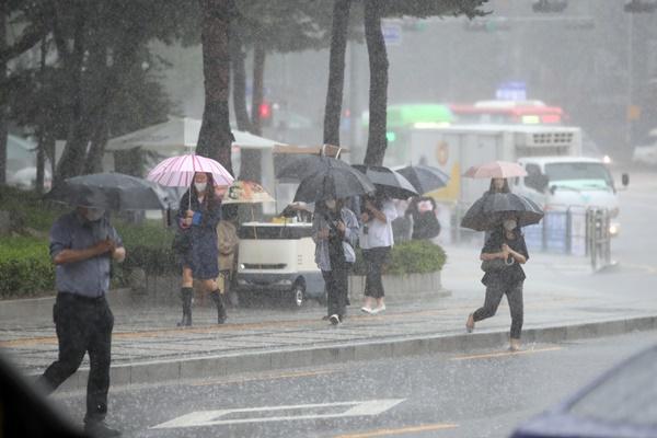 Monsunregen in vielen Teilen des Landes