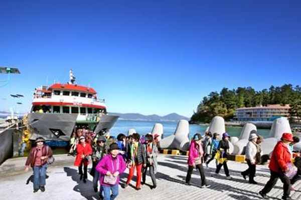 Đảo Jeodo mở cửa đón du khách sớm một tháng