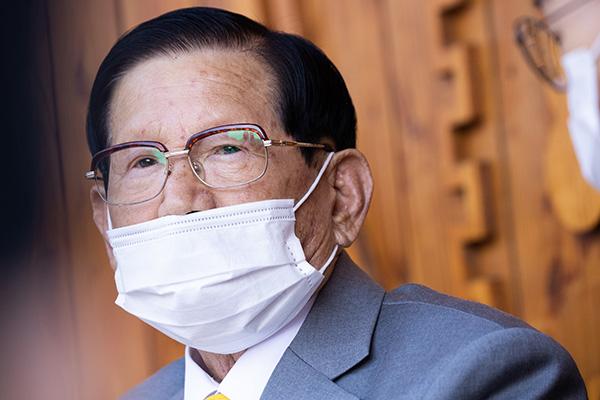 القبض على زعيم طائفة دينية بتهمة عرقلته مكافحة فيروس كورونا في كوريا