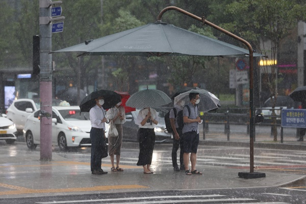 Heavy Rains Continue to Batter Greater Seoul Area, Western Gangwon
