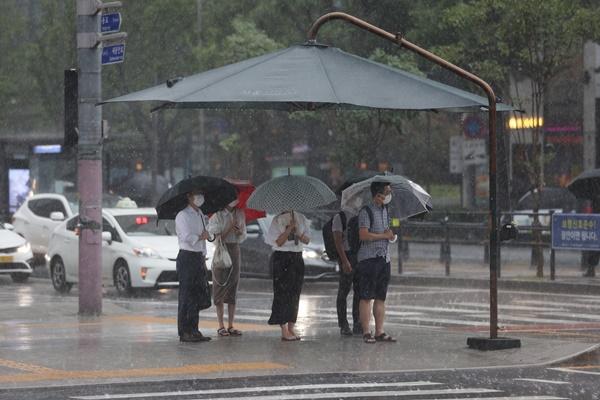 El frente monzónico y las lluvias persisten en Corea