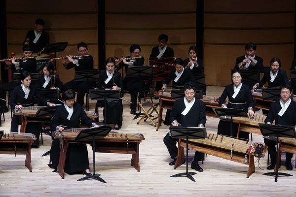 국립국악원 무대에서 되살아나는 악보·음원 속 북한음악