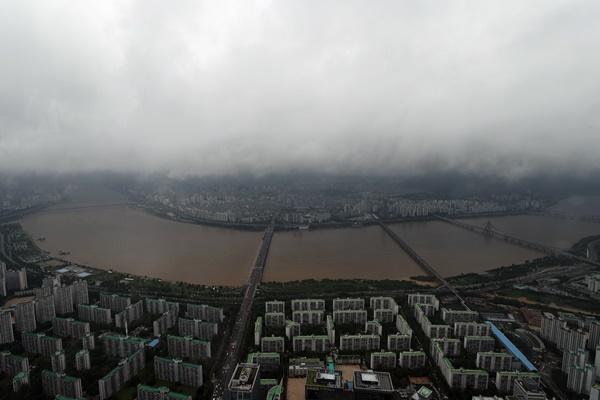 توقعات بمزيد من الأمطار الغزيرة في المنطقة الوسطى