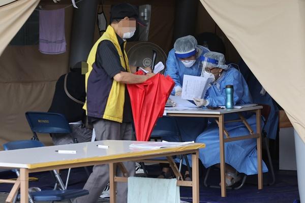 新型コロナ、新たな感染者は43人 国内感染者は23人