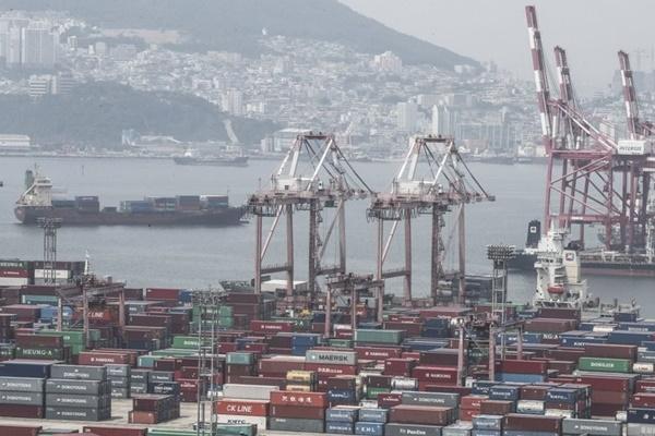 역성장에도 한국 GDP 순위는 12위에서 9위로 오를 전망