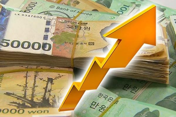 В РК продолжается рост денежной массы