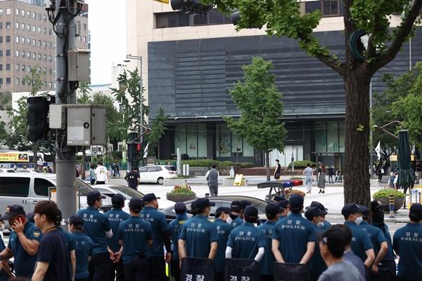 首尔市禁止在光复节举行大规模集会
