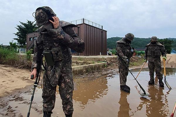 Военные возобновят разминирование приграничных районов