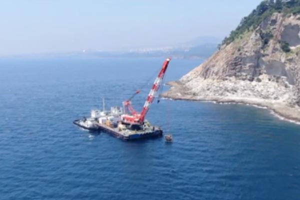 韩国首个水下机器人开始在济州调查海洋生态系统