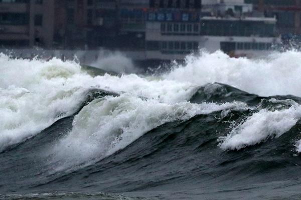 La Corée du Sud se prépare à l'arrivée du typhon Bavi