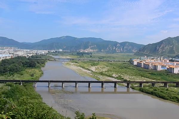 Между КНДР и КНР через реку Туманган построен новый мост