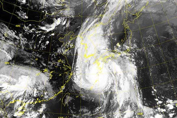 """台风""""海神""""离开韩国陆地 向江陵北部海域移动"""