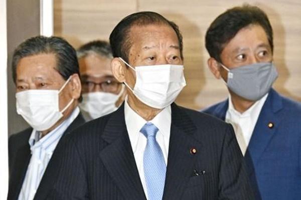 일본 자민당 새 총재에 스가 선출…16일 총리 취임