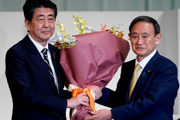 Новым председателем правящей партии Японии избран Ёсихидэ Суга