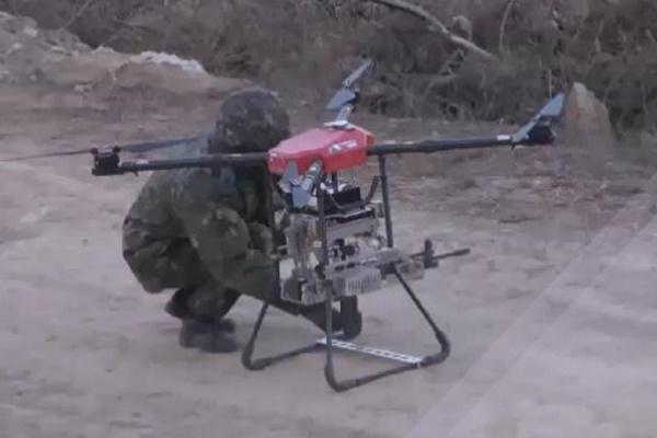 드론이 K-2 소총 발사…군, '드론봇' 전투부대 무기개발 박차