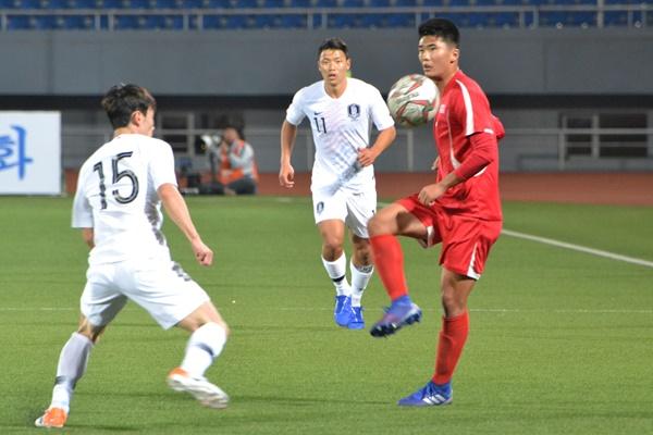 Futbolista norcoreano fue expulsado de su club por sanciones de ONU
