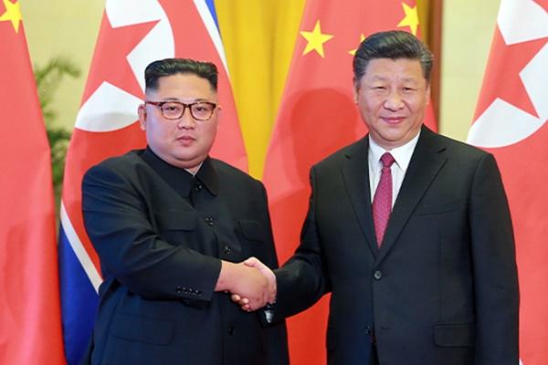 """김정은, 시진핑에 답전…""""북중친선, 높은 단계로 강화할 것"""""""