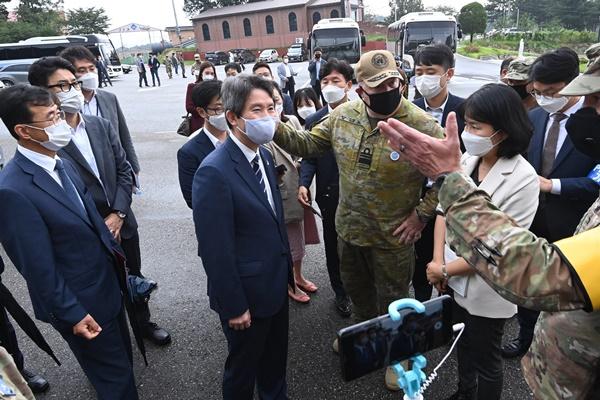 Bộ trưởng Thống nhất Hàn Quốc nhấn mạnh duy trì hợp tác liên Triều